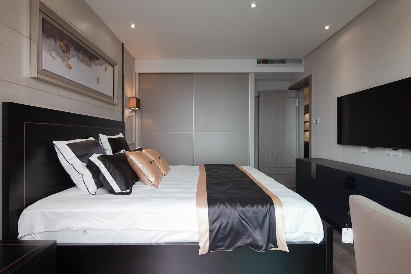 120平现代简约二居卧室装修效果图