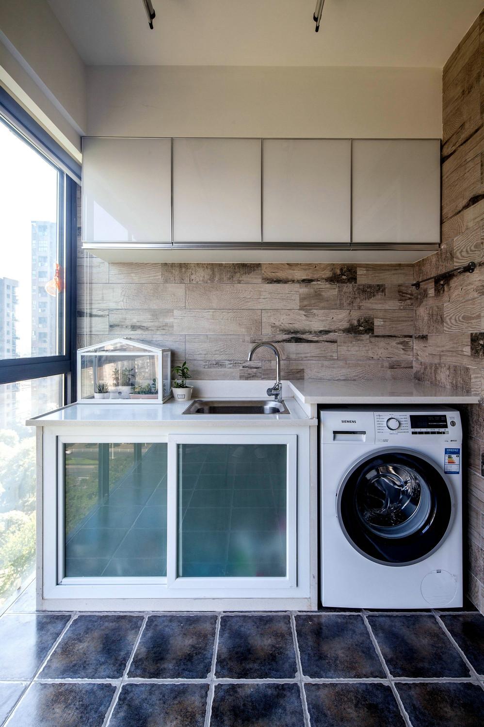 75平北欧风一居装修阳台洗衣区