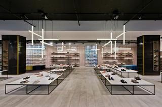 时尚工业风鞋店设计效果图
