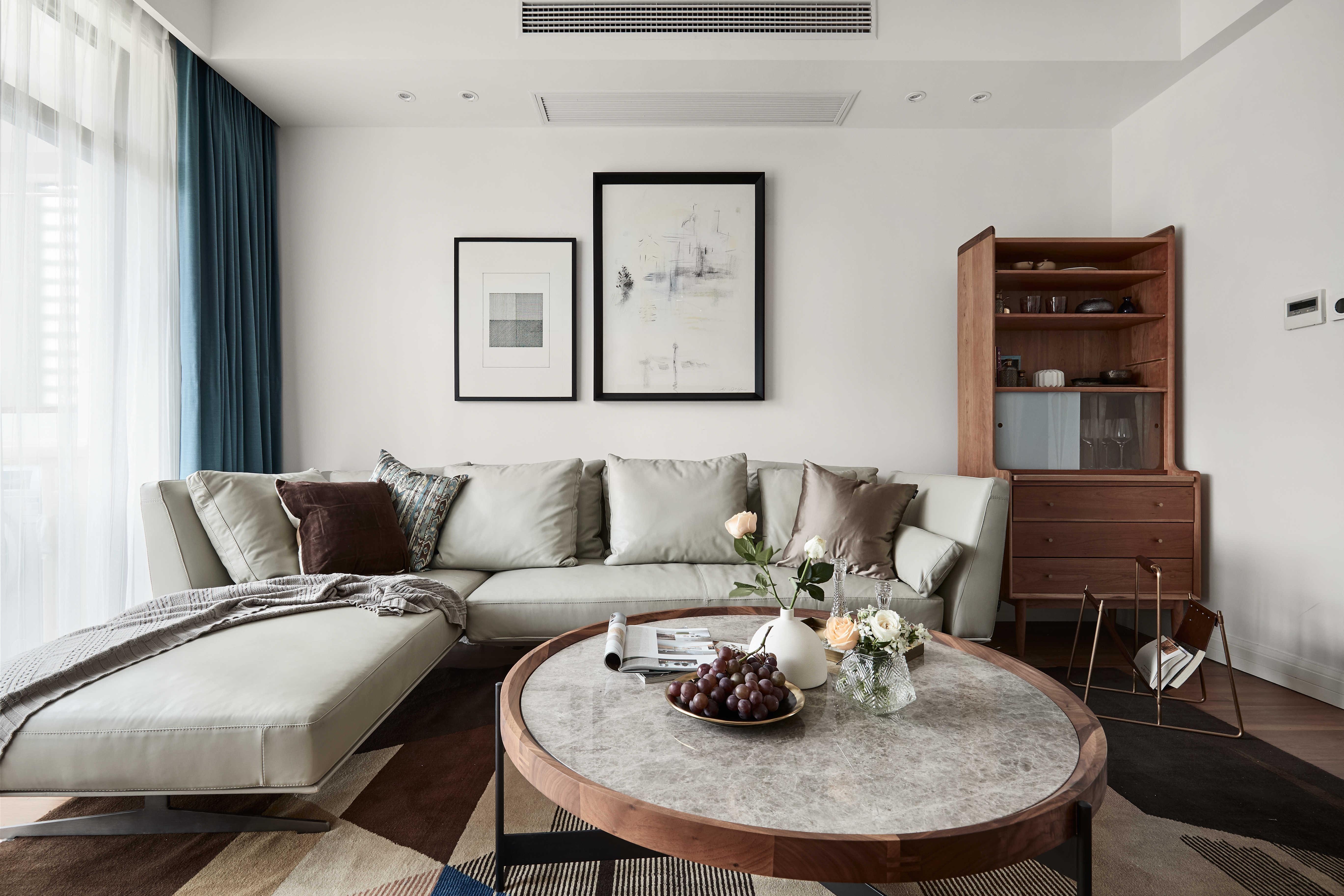 136平自然简约风客厅装修设计图