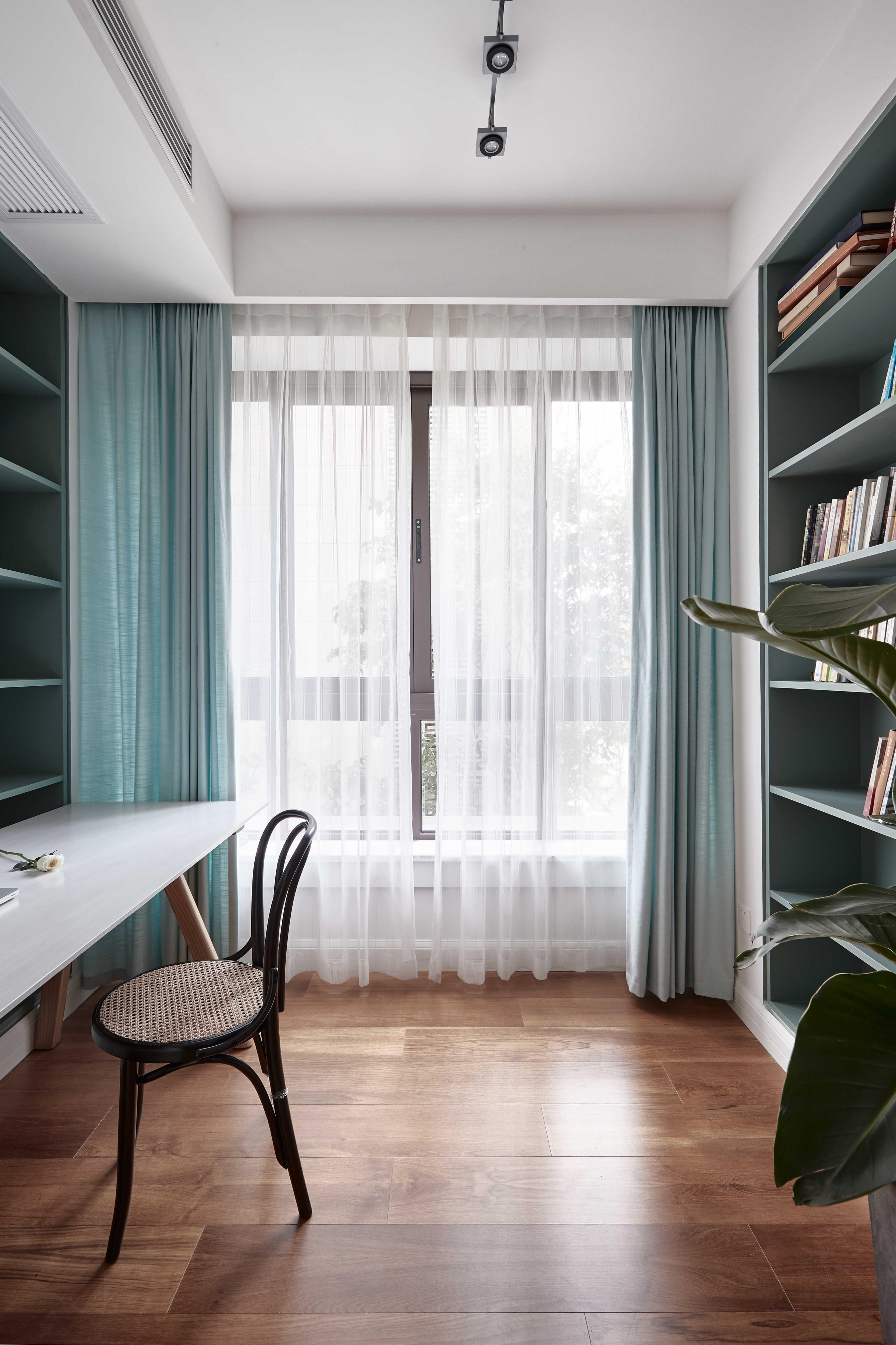 136平自然简约风书房装修搭配图