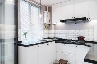 自然北欧风三居黑白系厨房装修布局图