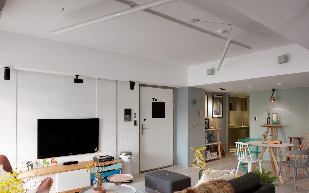75平北欧风两居电视背景墙装修效果图