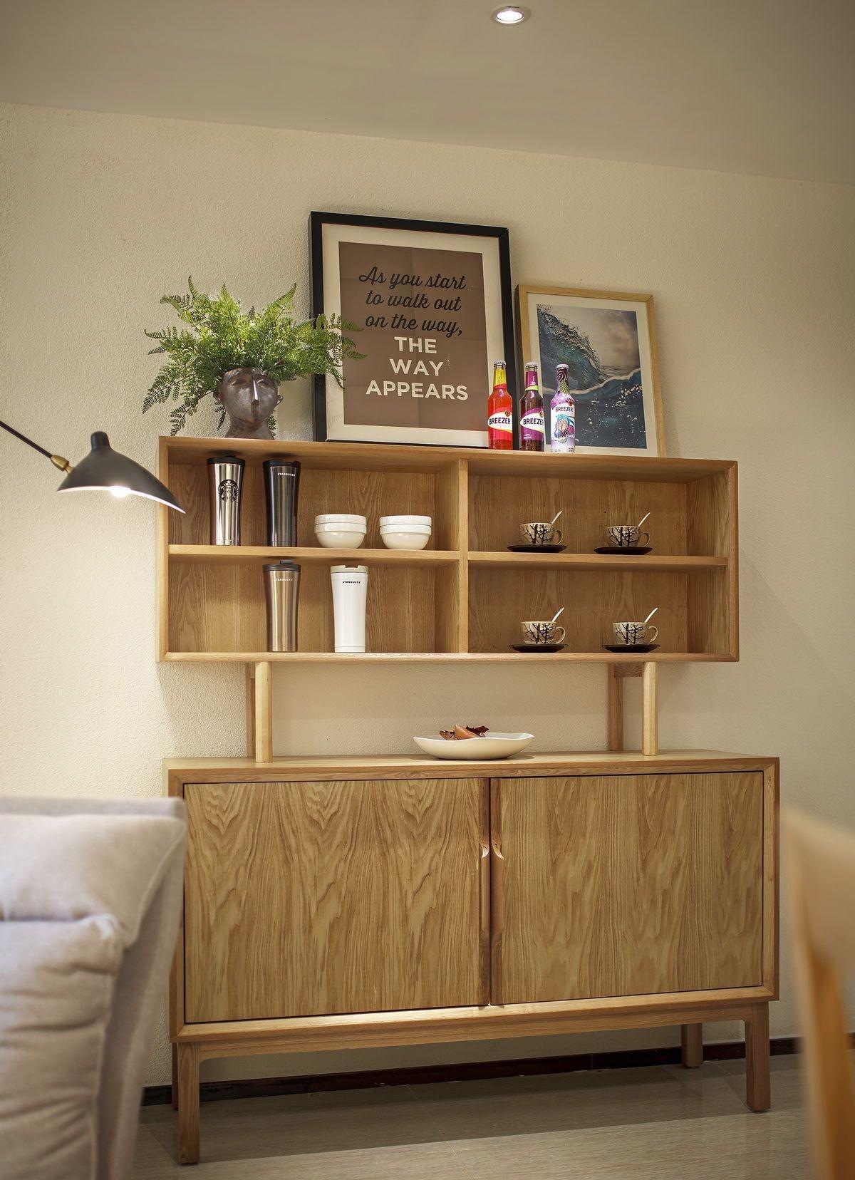 小户型北欧风两居室装修餐边柜设计