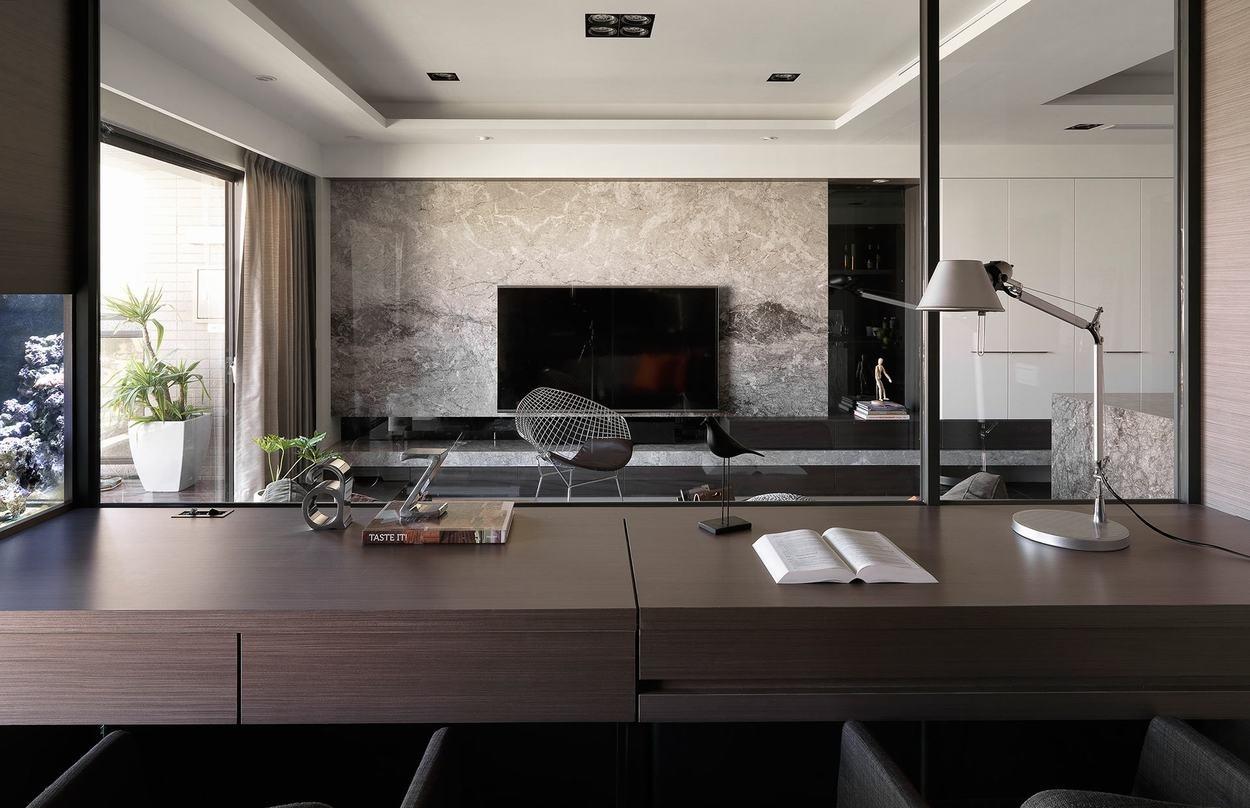 后现代风格三居室装修书桌设计图