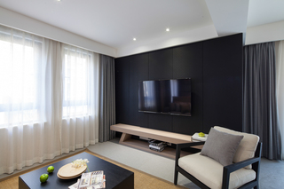 90平现代简约风格黑色电视背景墙装修效果图