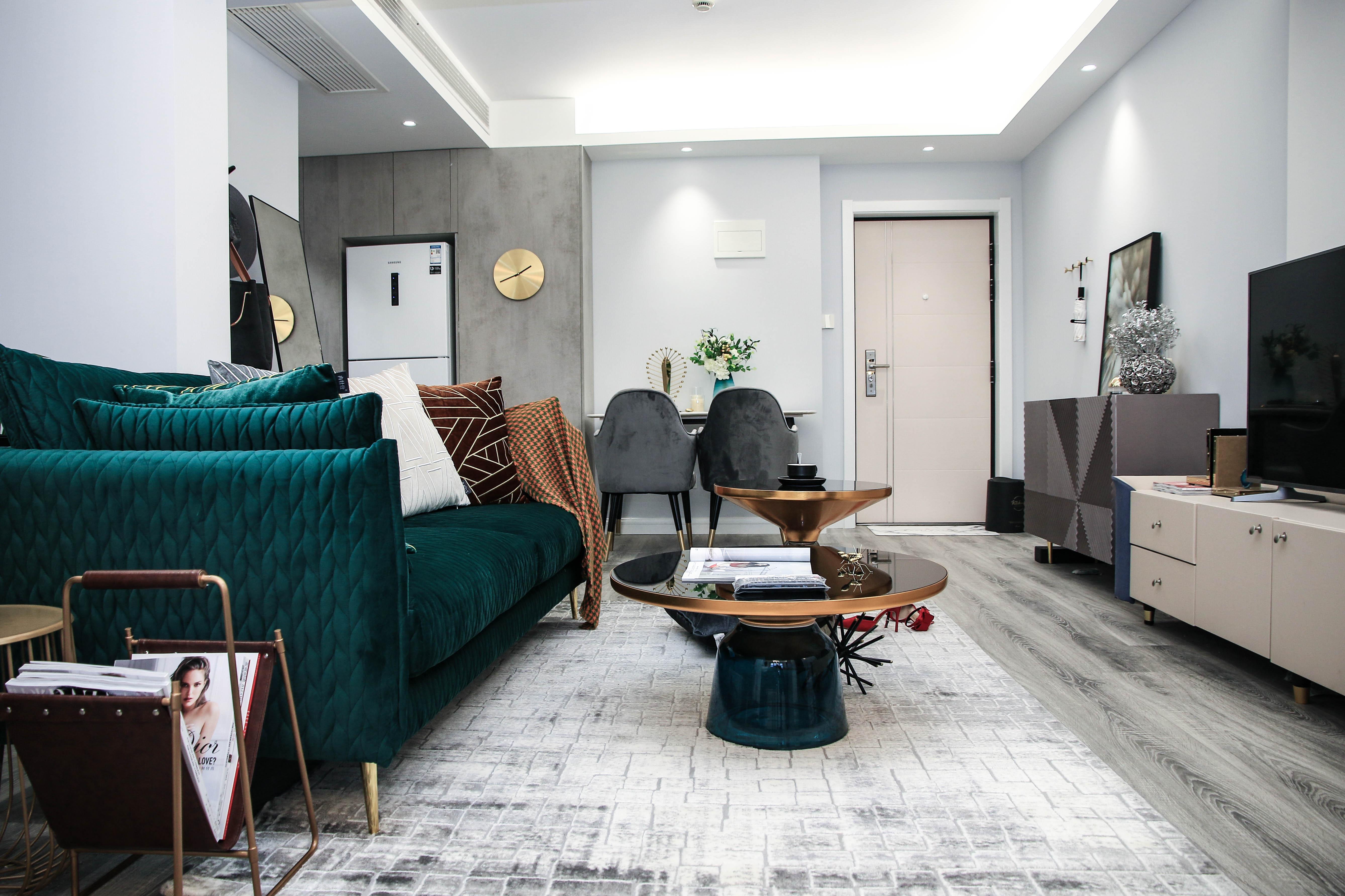 现代轻奢一居室客厅装修效果图