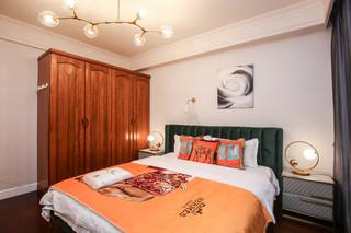 现代风格三居装修衣柜设计