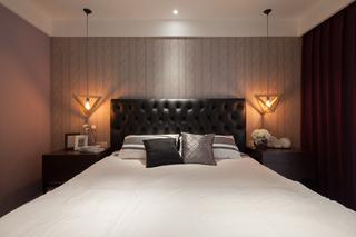 145平现代风格三居装修床头软包设计