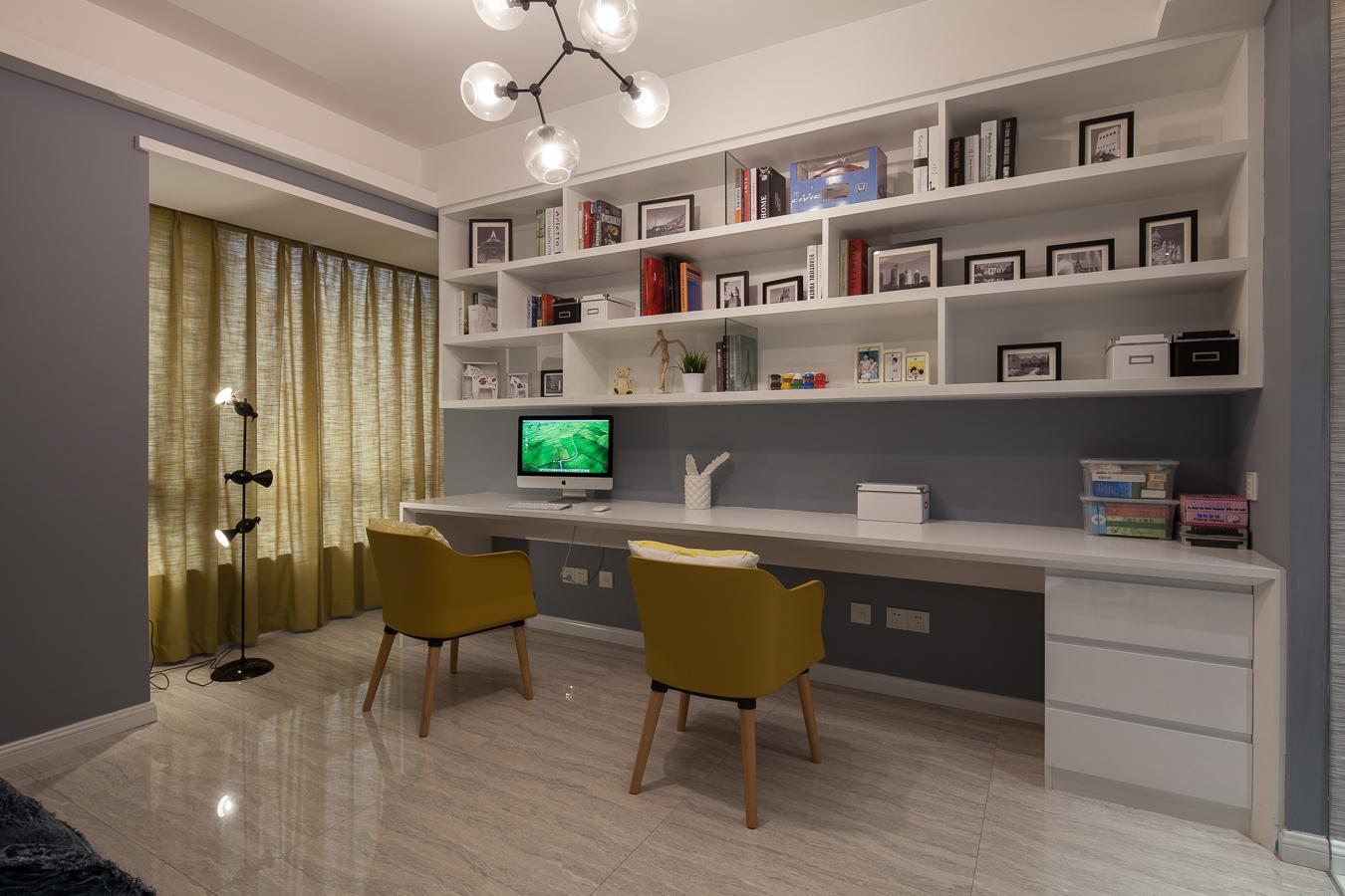 145平现代风格三居装修书桌设计图