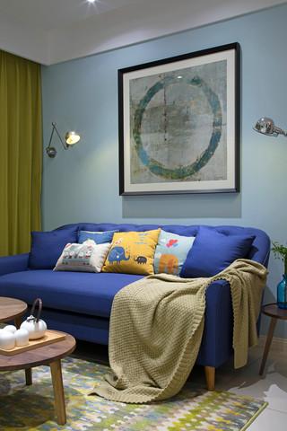 小户型清新北欧风装修蓝色沙发设计