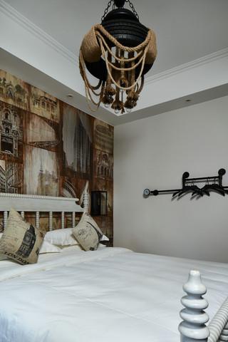 大户型复古风公寓装修卧室吊灯设计
