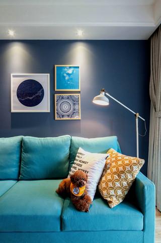 75平北欧风一居装修蓝色沙发设计