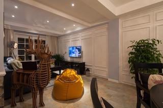 美式混搭三居室电视背景墙装修效果图