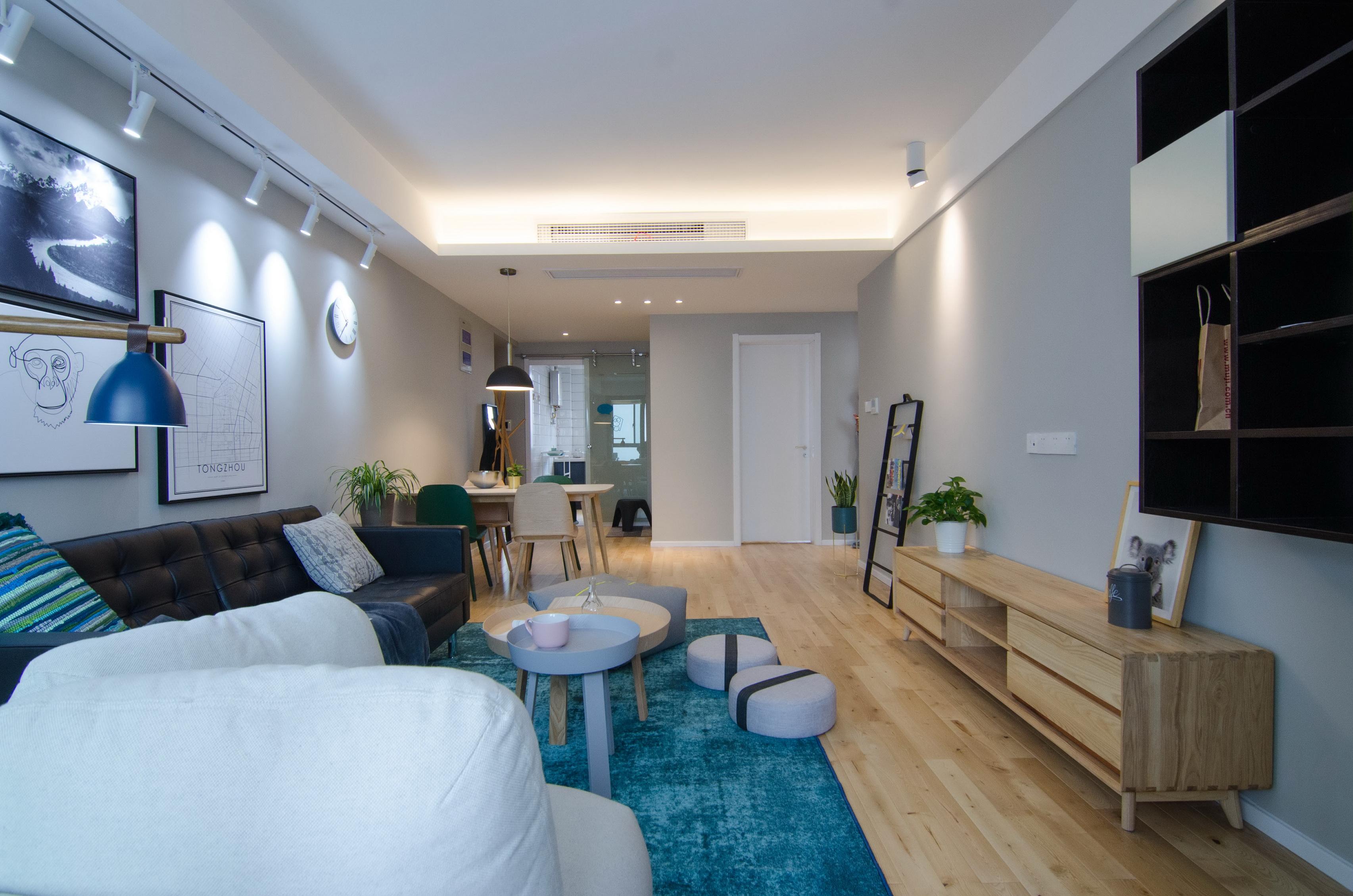 现代北欧风三居室客厅吊顶装修效果图