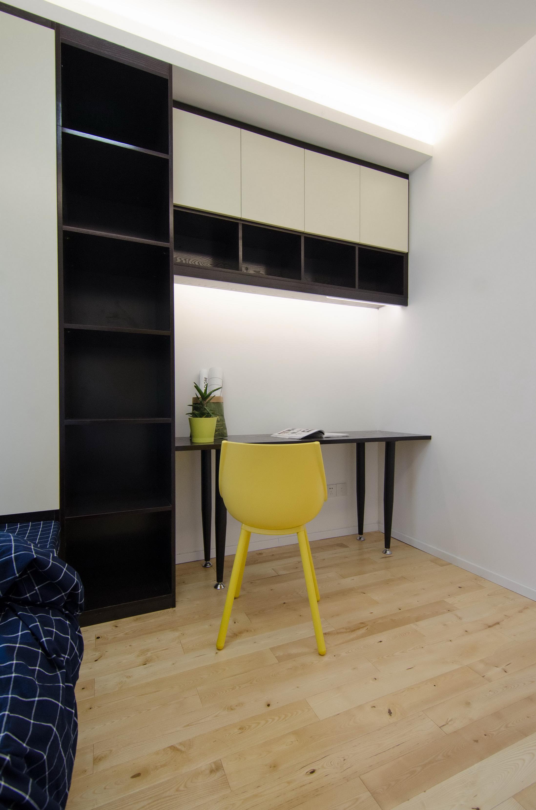 现代北欧风三居室装修书桌设计
