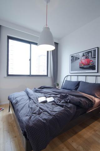 现代北欧风三居装修卧室布置图