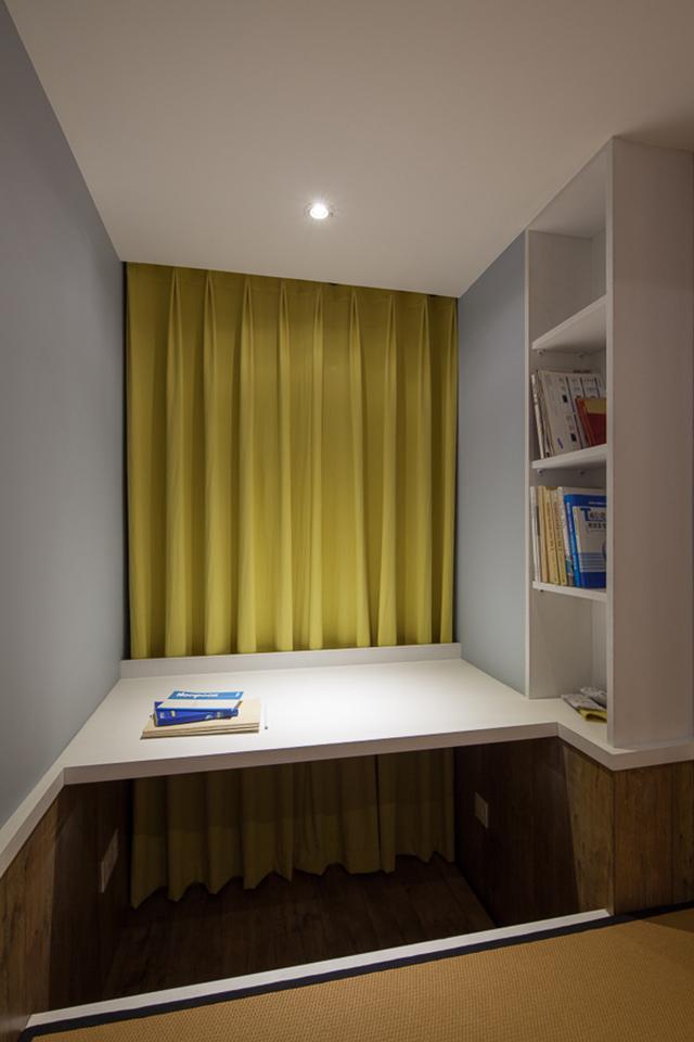 美式混搭三居室装修书桌设计