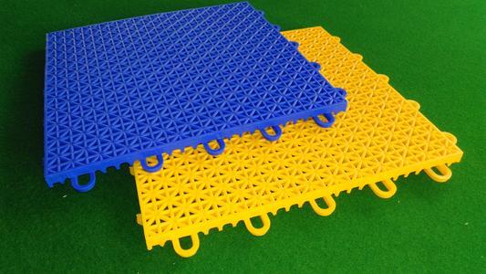 拼装地板篮球场的特点 拼装地板篮球场保护方法