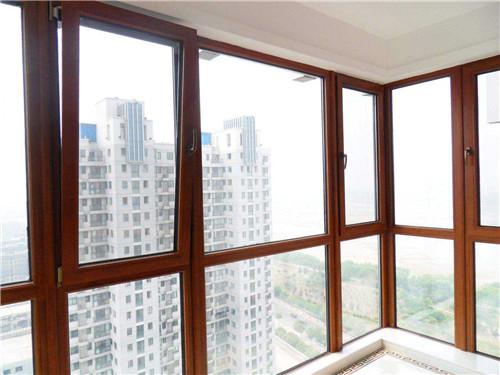 窗户玻璃多少钱 钢化玻璃窗报价多少