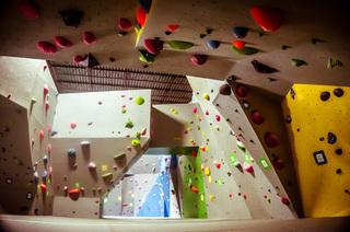 立体几何攀岩馆设计