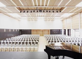 开放简约教学楼音乐教室设计效果图