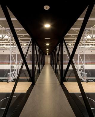现代篮球馆空中廊桥设计效果图