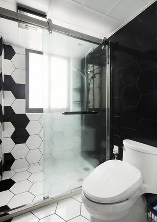 北欧风黑白卫生间装修效果图