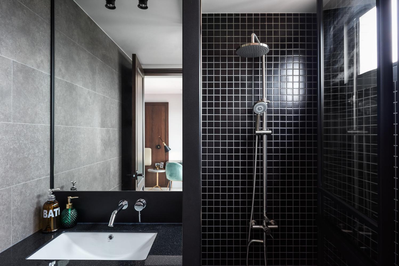 现代风格公寓卫生间装修效果图