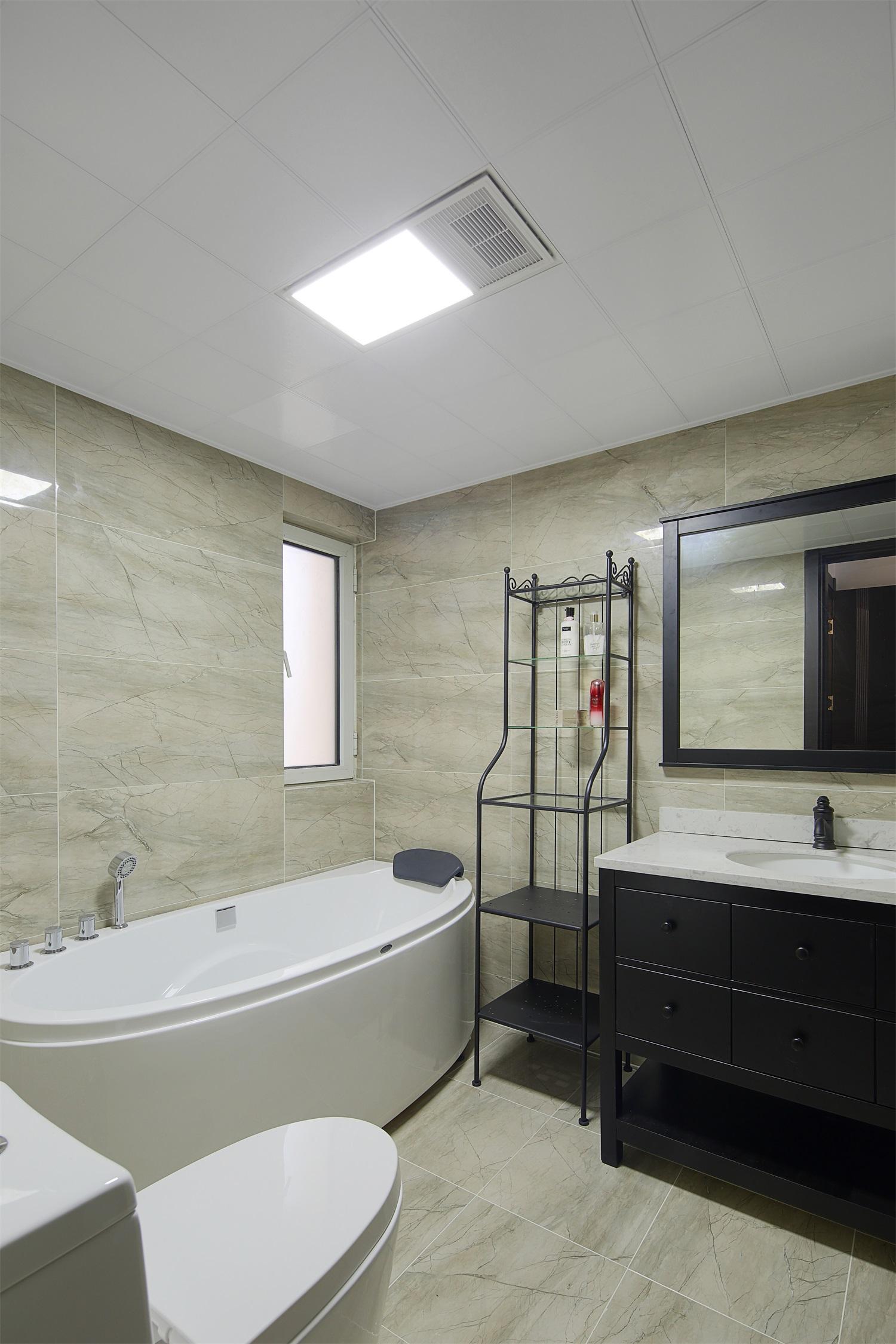120平北欧风公寓卫生间装修效果图