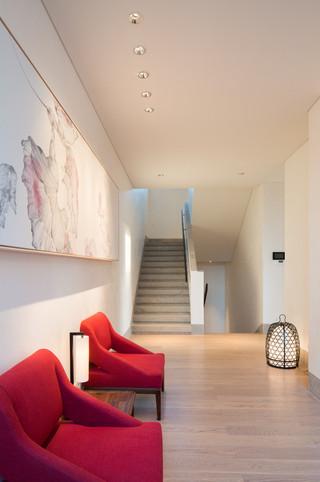 酒店式别墅楼梯装修设计效果图