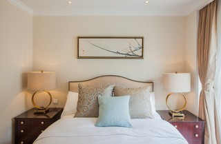 简约美式风格别墅卧室背景墙装修效果图