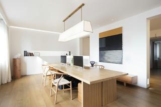 极简白色原木风公寓餐厅装修效果图