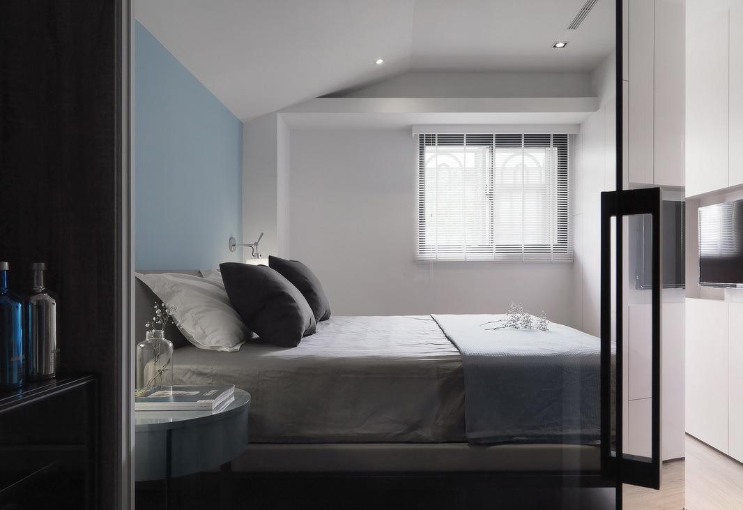 90平米现代简约卧室装修效果图