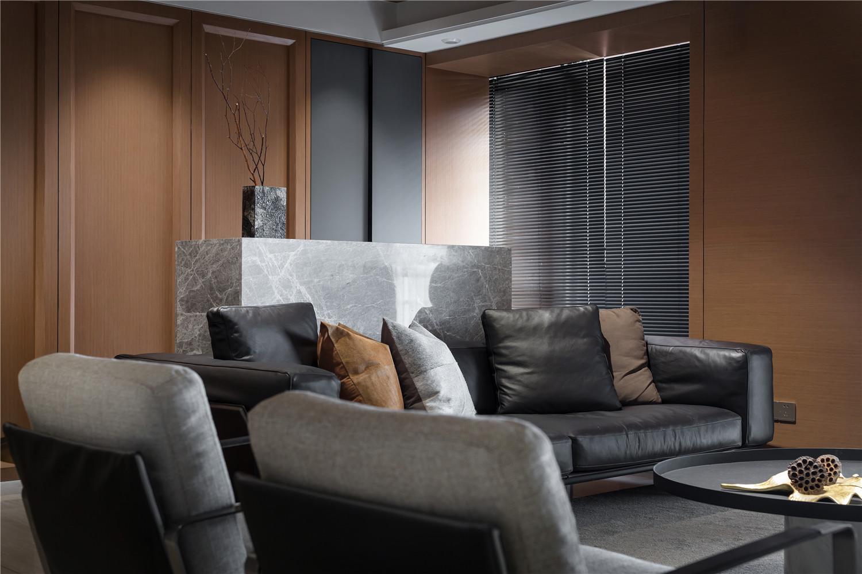 160平简约现代风格装修沙发布置图