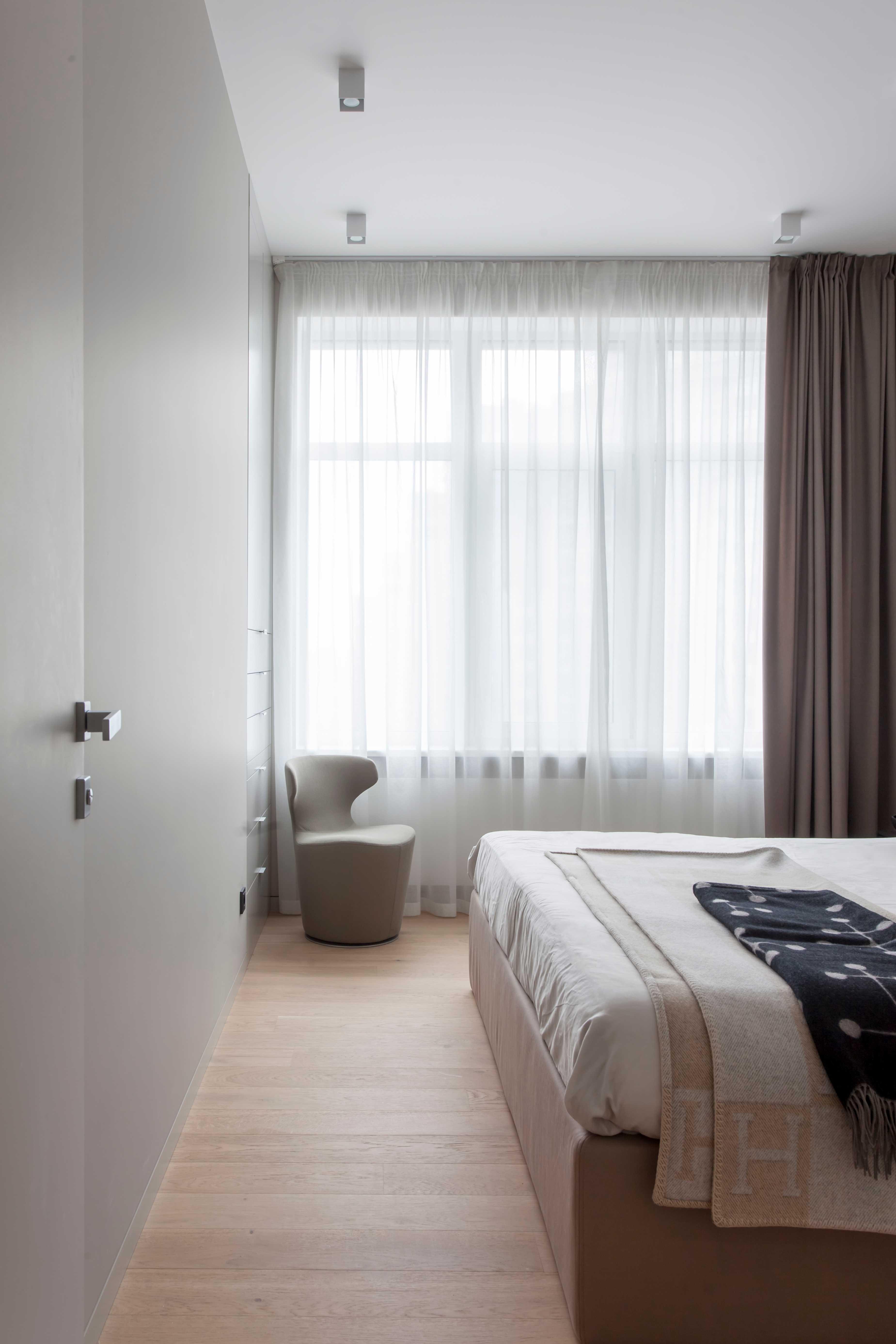 现代风公寓装修卧室窗帘设计图
