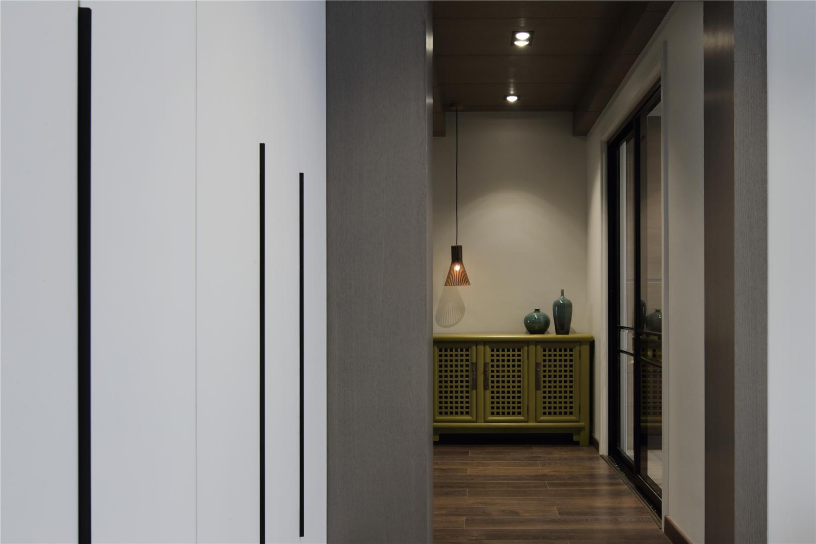 200㎡现代简约走廊装修效果图