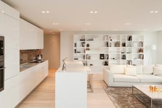 简约白色公寓厨房装修效果图