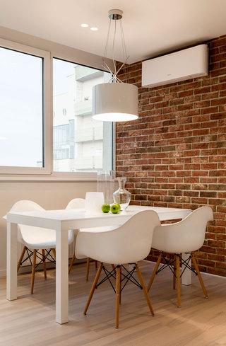 简约白色公寓餐厅装修效果图