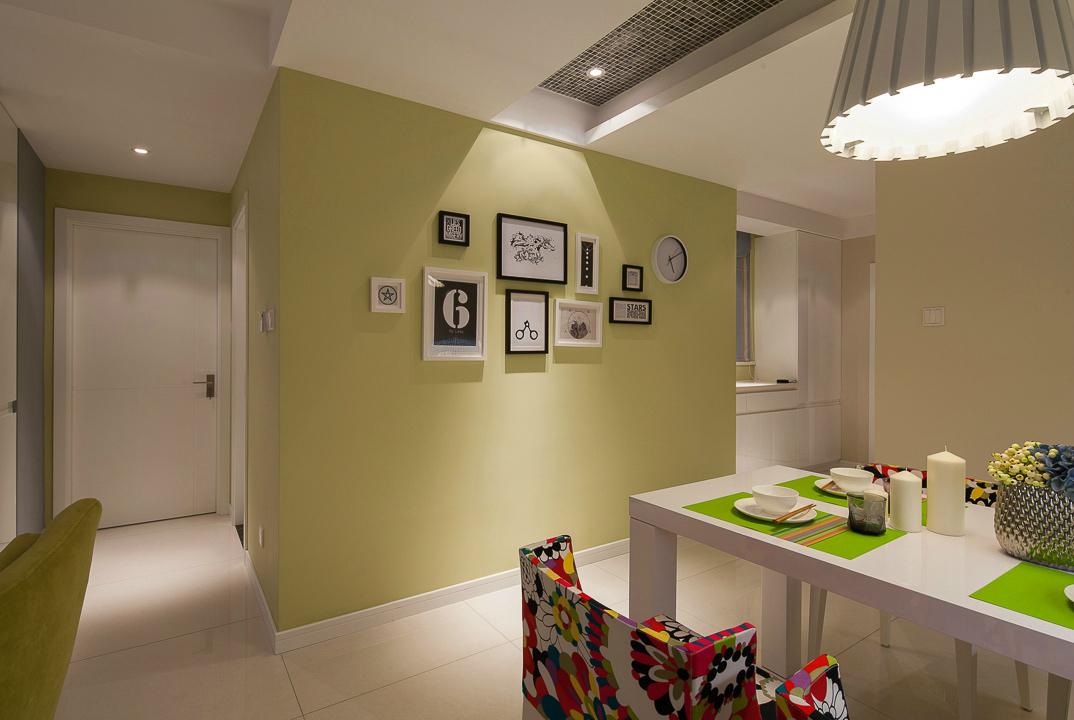 105平现代简约风格照片墙装修效果图