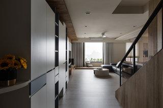 现代风格别墅玄关装修设计效果图