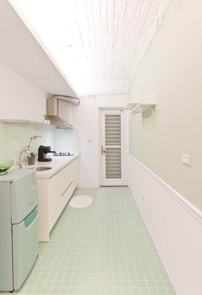 小户型现代风格厨房装修效果图