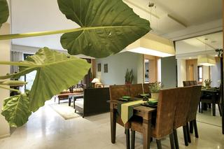 东南亚风格三居餐厅装修设计图