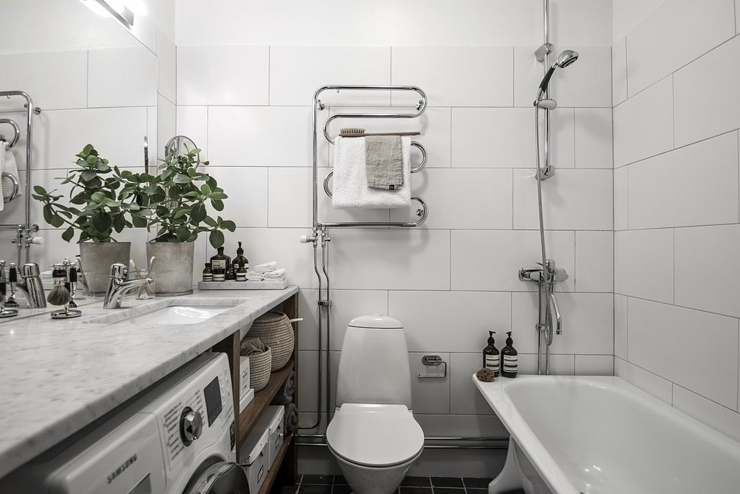 现代公寓白色卫生间装修效果图