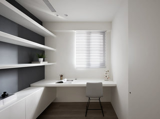 极简风白色公寓书房装修效果图