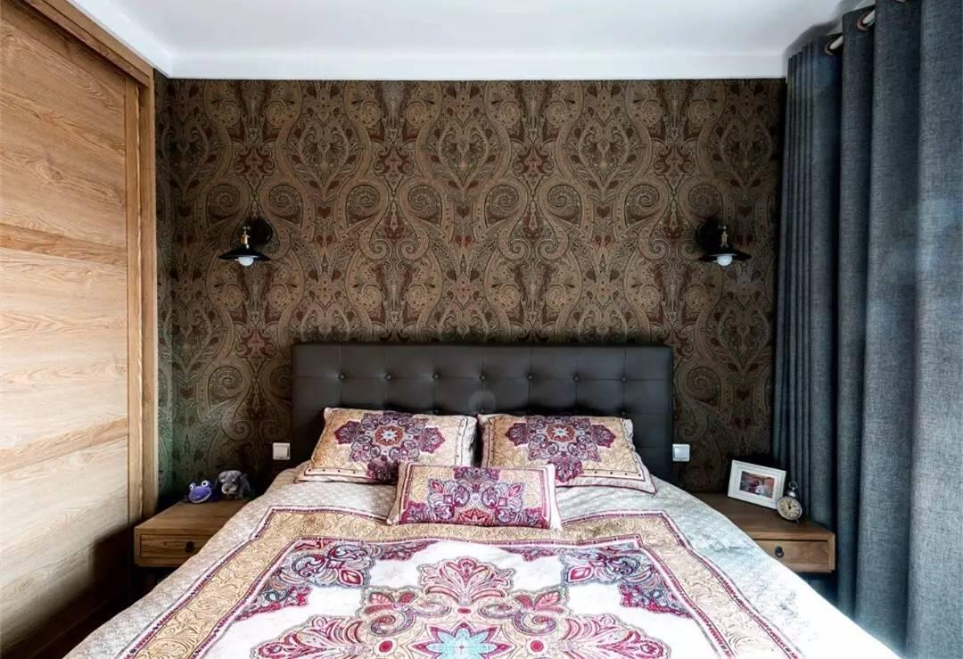 混搭风格二居卧室装修设计图