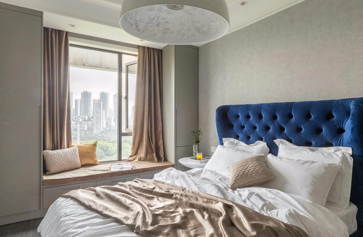 156㎡时尚现代轻奢卧室飘窗装修效果图