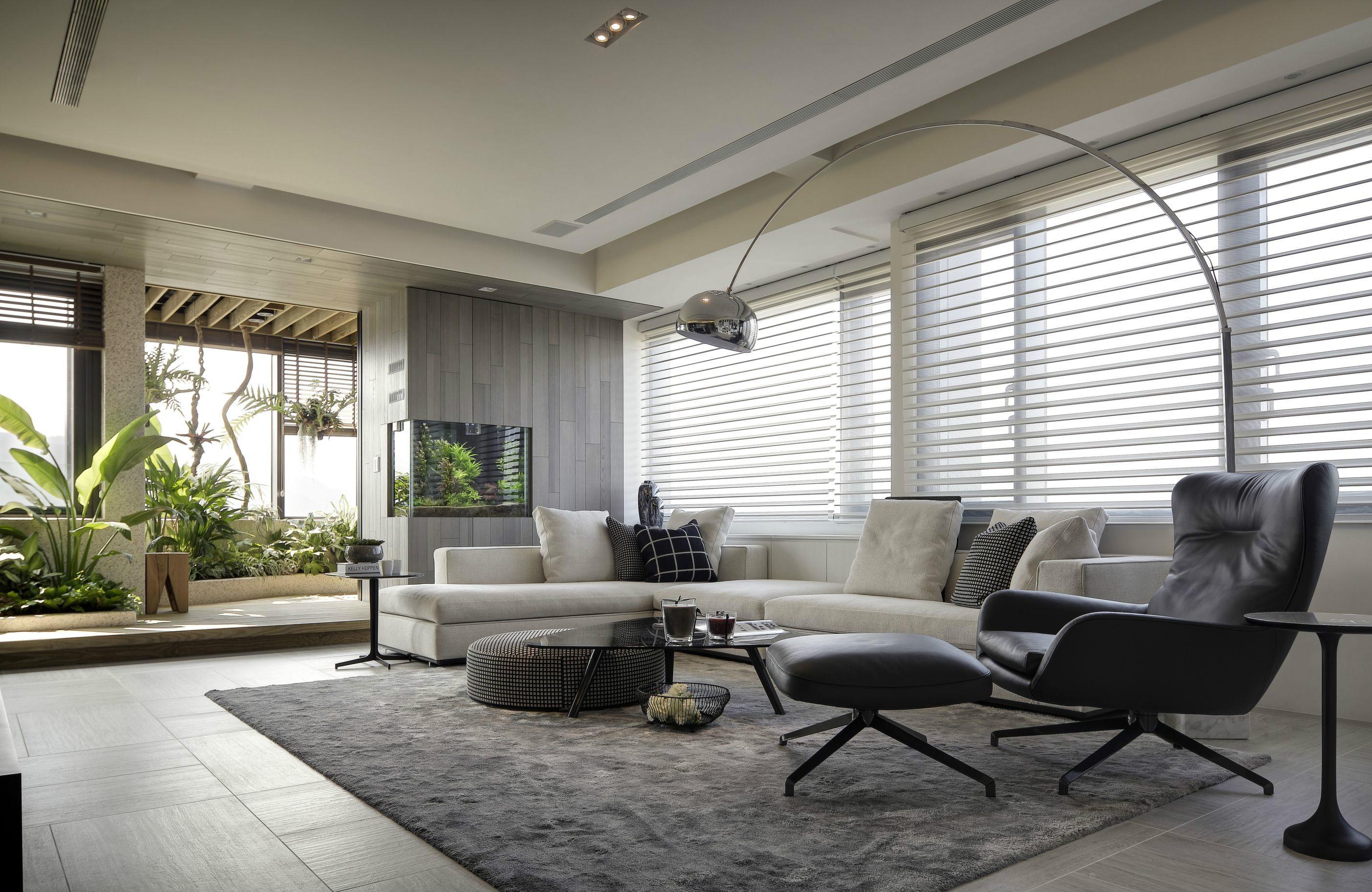 后现代风格大户型装修沙发布置图