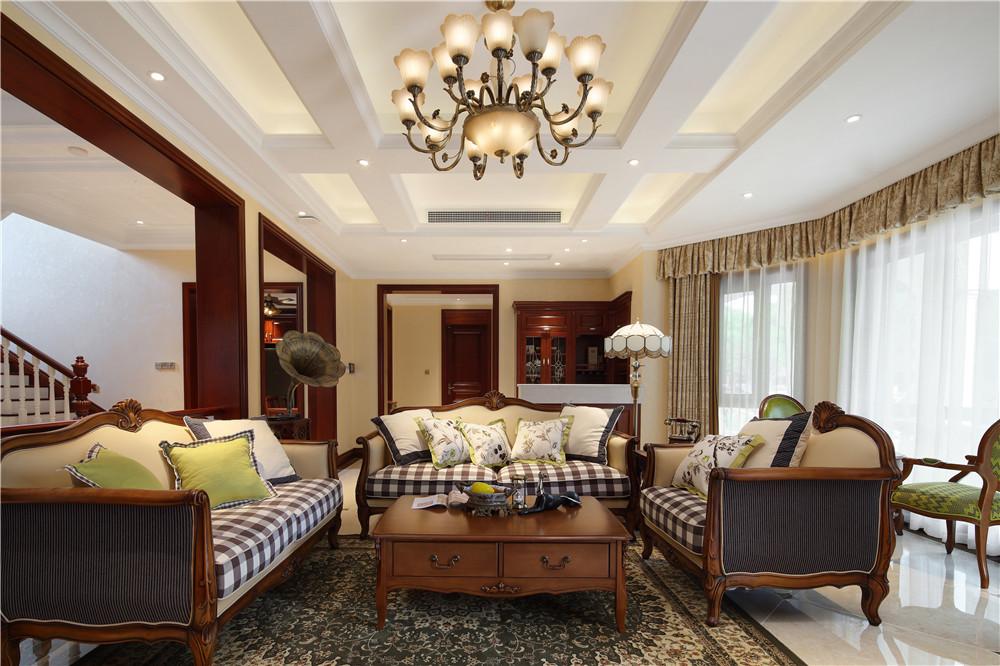 美式轻奢风别墅客厅吊顶装修效果图