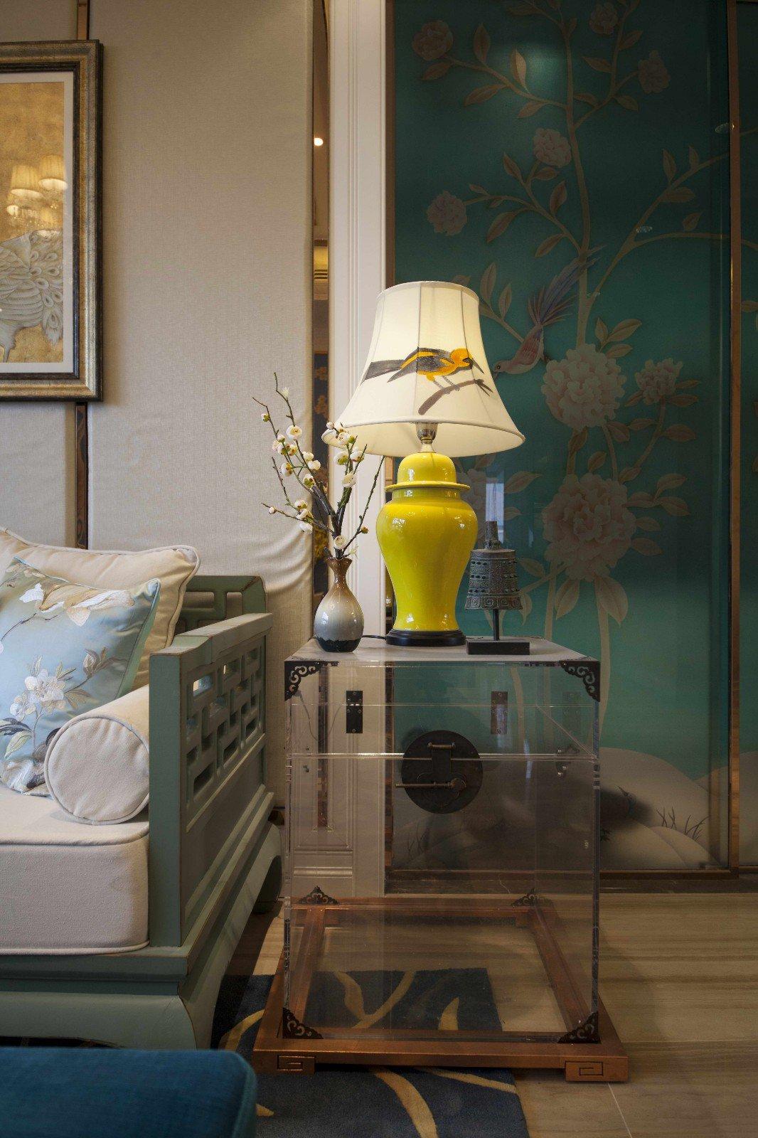 混搭风格样板间装修沙发边柜设计图